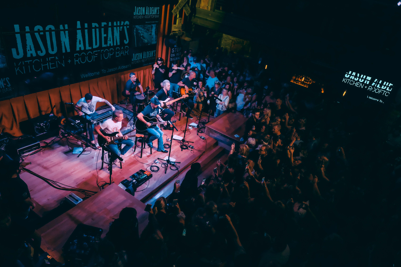 Music Jason Aldean S Kitchen Rooftop Bar