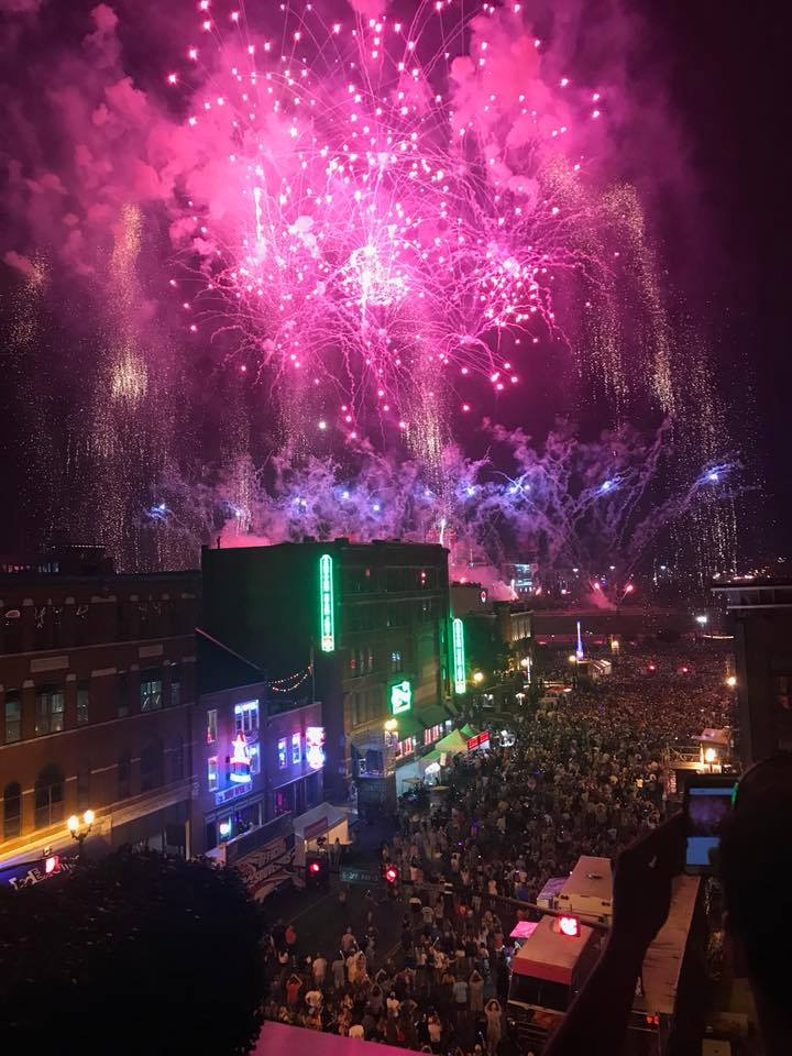Jason Aldean's Rooftop Bar 4th of July